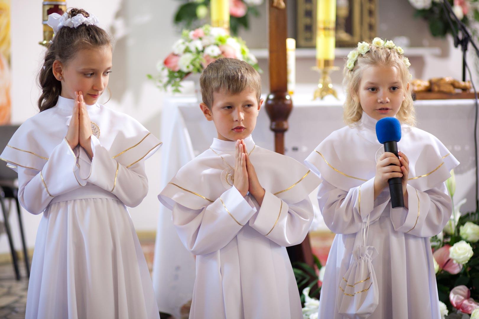 027-communion